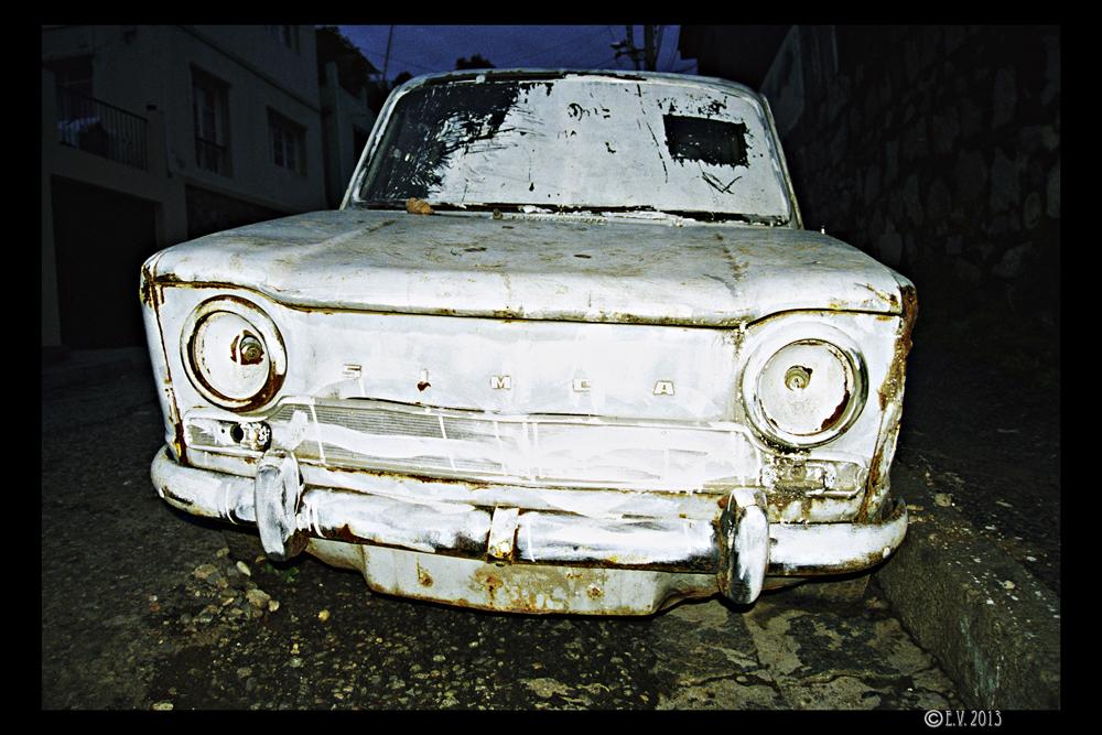 La voiture abandonnée